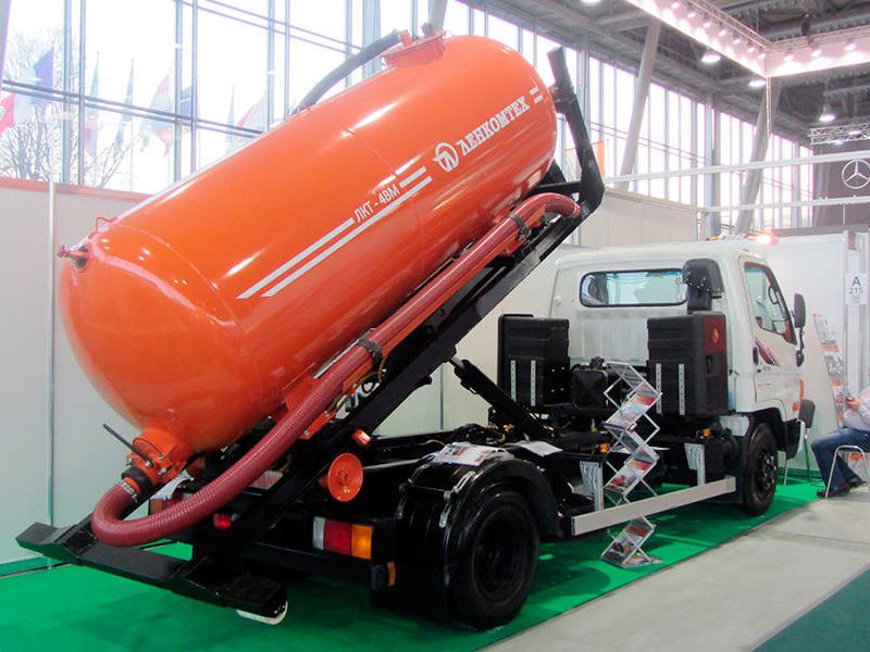 ЛКТ-4ВМ ассенизаторская цистерна