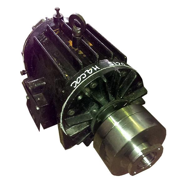 Насос вакуумный (правового вращения) КО-529-02.15.000